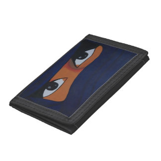 Veiled woman into dark blue trifold wallet