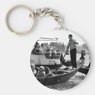 VENICE GONDOLIERS IN BLACK AND WHITE KEYCHAIN