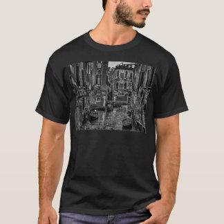 Venice italy gondola boat canal T-Shirt