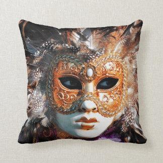 Venice Italy: Men´s Venetian carnival mask, Throw Pillow