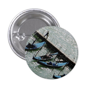 Venice, Italy: Walking With Gondolas 3 Cm Round Badge