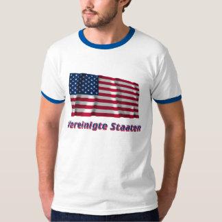 Vereinigte Staaten Fliegende Flagge mit Namen T Shirts