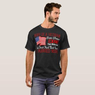 Veteran Wife Never Met Their Hero I Married Mine T-Shirt