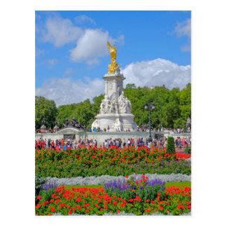 Victoria Memorial, Buckingham Palace, London Postcard