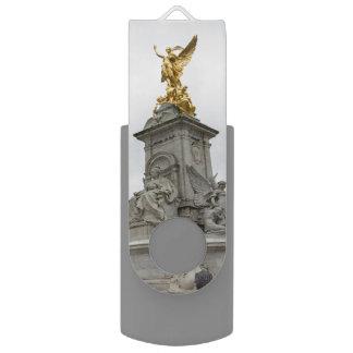 Victoria Memorial Statue, London, UK Swivel USB 3.0 Flash Drive