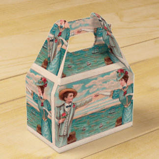 Victorian Beach Wedding Couple Favour Box
