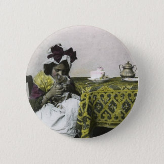 Victorian Girl Tea Time with Kitty Vintage 6 Cm Round Badge