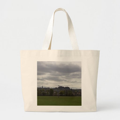 View of the distant Edinburgh Castle in Scotland Canvas Bags