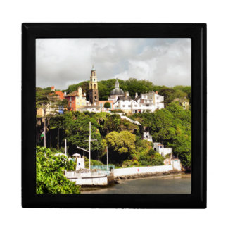 VILLAGES OF WALES LARGE SQUARE GIFT BOX