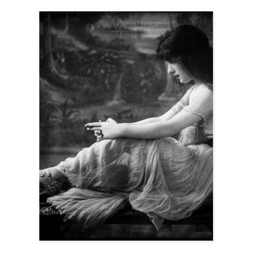Vintage 1913 Evelyn Nesbit Post Card
