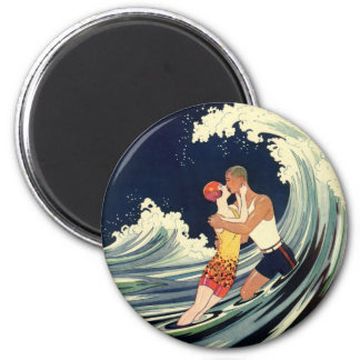Vintage Art Deco Lovers Kiss in the Waves at Beach 6 Cm Round Magnet