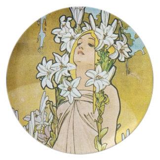 Vintage Art Nouveau Plates