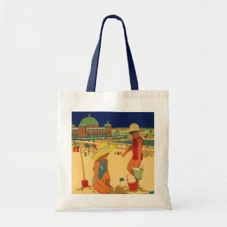 Vintage Children, Sisters Family Vacation at Beach Budget Tote Bag