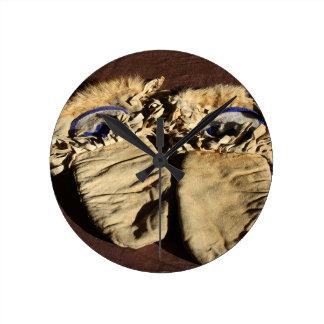 Vintage Cree Mittens Round Clock