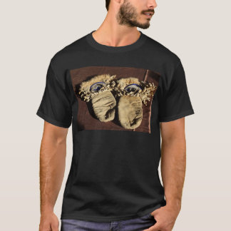 Vintage Cree Mittens T-Shirt