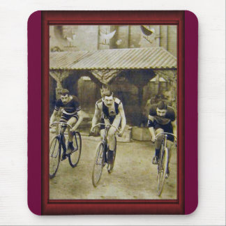 Vintage cycle race mouse pad