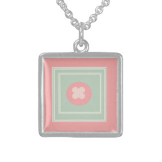 vintage design square pendant necklace