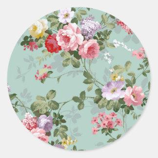 Vintage Elegant Pink Red Roses Pattern Round Sticker