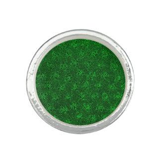 Vintage Floral Emerald Green Violets Ring