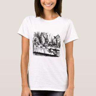 Vintage illustration Alice in Wonderland T-Shirt