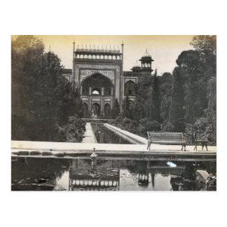 Vintage India, Taj Mahal gardens Postcard