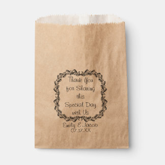 Vintage Leafy Wreath Personalized Favor Bag