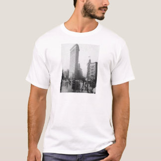Vintage Photograph of the Flatiron Building NYC T-Shirt