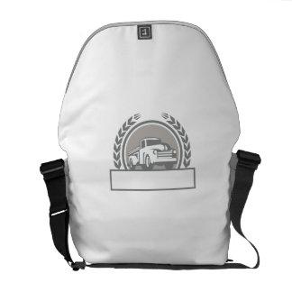Vintage Pick Up Truck Circle Retro Messenger Bags