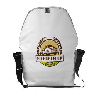 Vintage Pick Up Truck Circle Wreath Retro Messenger Bag