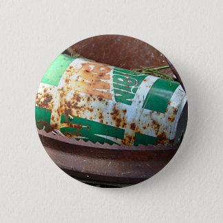 Vintage Soda Can in a Pile of Junk 6 Cm Round Badge