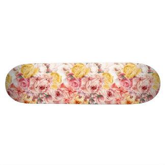 Vintage spring floral bouquet grunge pattern 21.6 cm skateboard deck