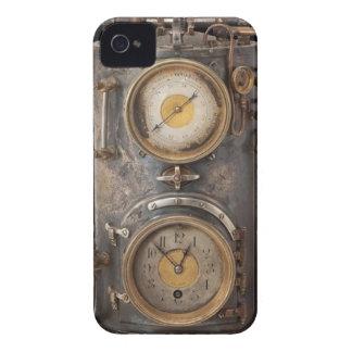 Vintage Steam Punk Clock iPhone 4 Cases