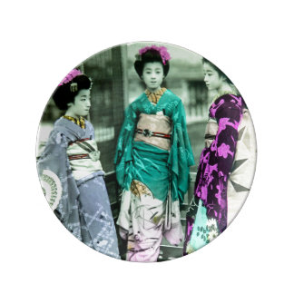 Vintage Three Young Geisha in Old Japan Plate
