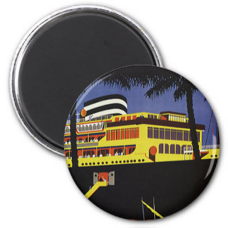 Vintage Travel, Art Deco Cruise Ship in Port 6 Cm Round Magnet