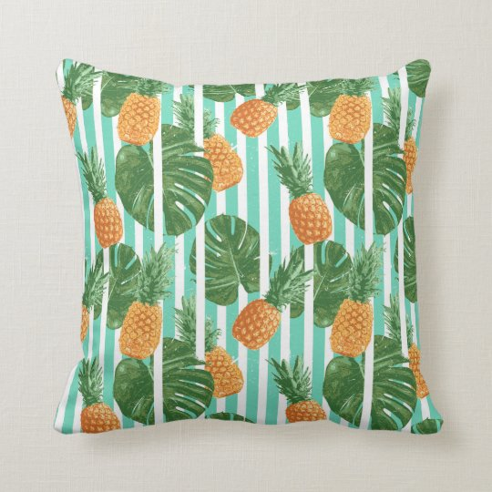Vintage Tropical Pineapple Vector Seamless Pattern Cushion
