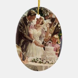 Vintage Wedding Bride Groom Newlyweds Cut Cake Ornaments