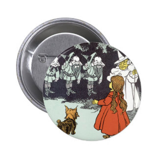Vintage Wizard of Oz Dorothy Toto Glinda Munchkins 6 Cm Round Badge