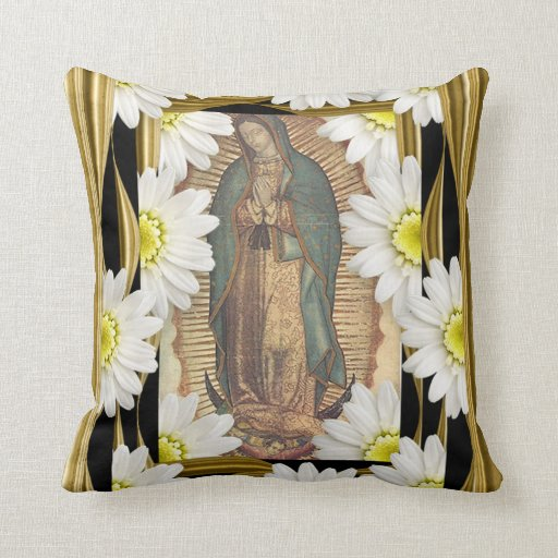 Virgen de Guadalupe with daisies Throw Pillow