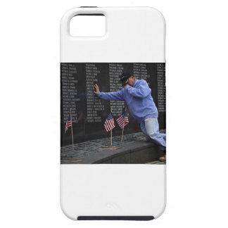 Visiting The Vietnam Memorial Wall, Washington DC. Tough iPhone 5 Case