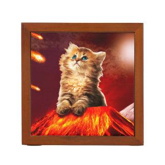 volcano cat ,vulcan cat , desk organiser