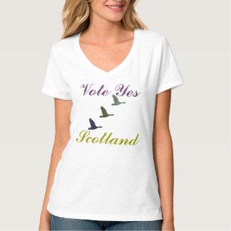 Vote Yes Scotland Tartan Flying Ducks T-Shirt
