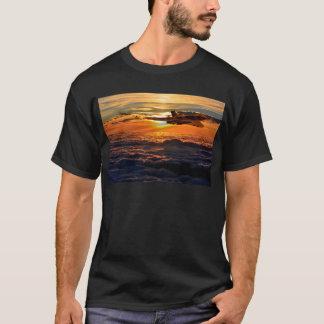 Vulcan bomber sunset sortie T-Shirt