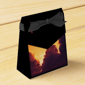 w in weather favour box