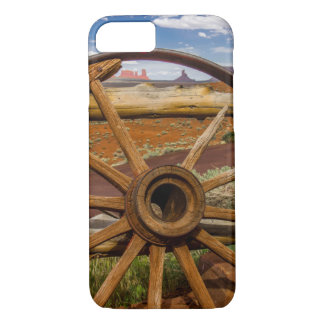 Wagon wheel close up, Arizona iPhone 8/7 Case