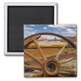 Wagon wheel close up, Arizona Magnet