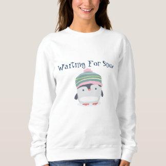 Waiting for snow women's basic Sweatshirt