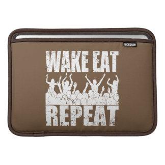 WAKE EAT ROCK REPEAT #2 (wht) MacBook Sleeve