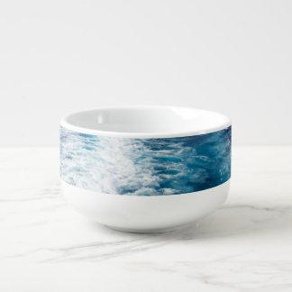 wake of a cruise ship soup mug