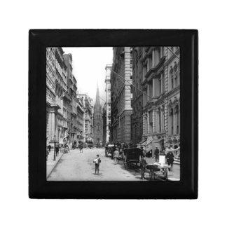 Wall Street 1900's Gift Box