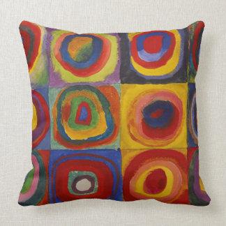 Wassily Kandinsky-Farbstudie Quadrate Throw Pillow